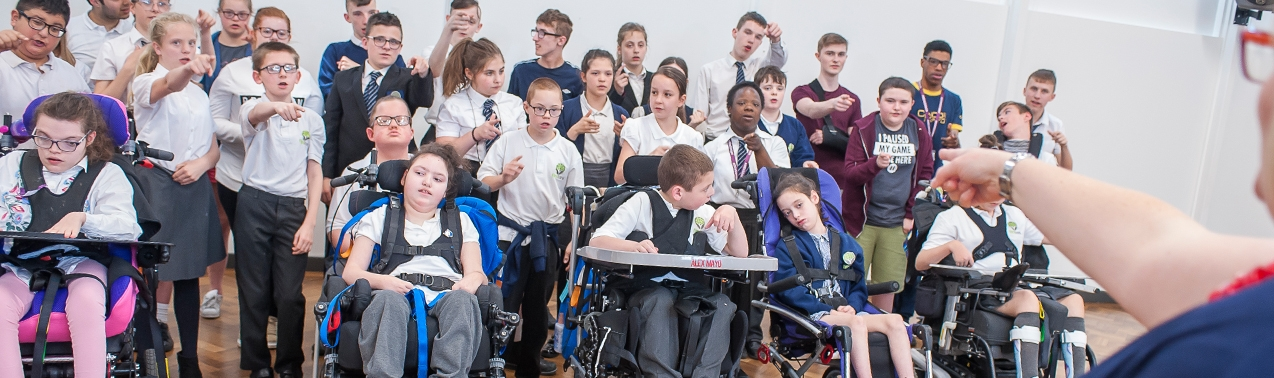 Pupils in a music lesson at Elms Bank